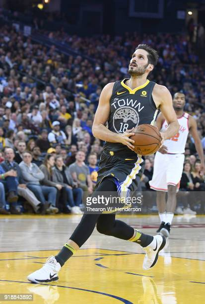 Omri Casspi of the Golden State Warriors drives to the basket for a slam dunk against the Phoenix Suns during an NBA basketball game at ORACLE Arena...