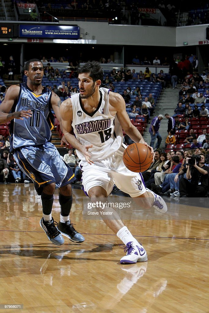 Omri Casspi #18 of the Sacramento Kings looks to drive to the basket around Mike Conley #11 of the Memphis Grizzlies on March 22, 2010 at ARCO Arena in Sacramento, California.