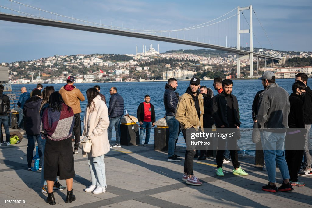 Daily Life Under Covid-19 Pandemic In Istanbul : Nieuwsfoto's