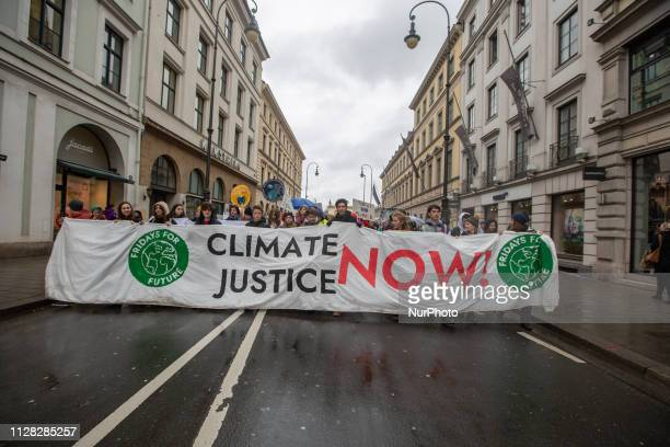 On 132019 several hundreds of school students protested for a better protection of the environment and of the climate