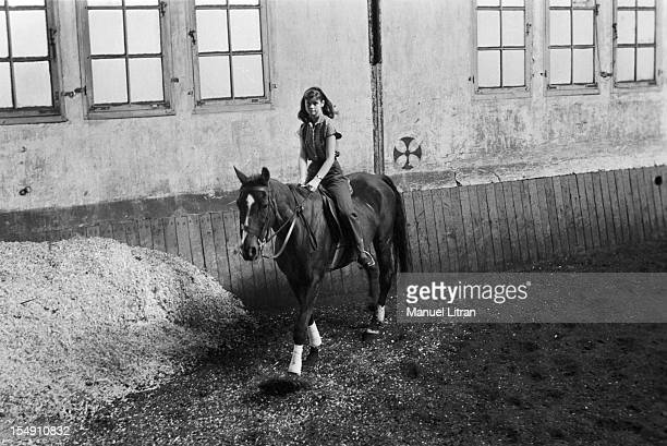 On 25 September 1956 Paris actress Marie VERSINI young comedian of 16 years playing in the play of Julian Green 'Shadow' is set scene by Jean Meyer...