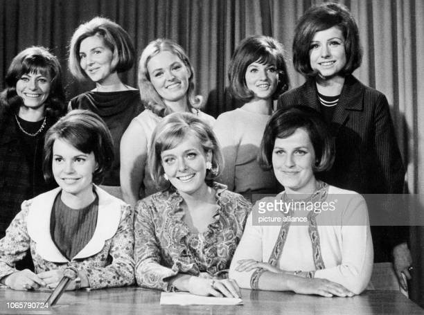On 6 July 1965 stand Behind the regular tv announcers of German television channel ZDF Mady Riehl Victoria Voncampe and Renate Oelschläger five...
