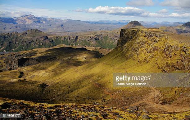 on a sunny road - fimmvorduhals volcano stockfoto's en -beelden