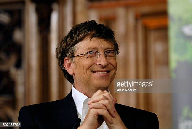 On a visit to Paris Bill Gates founder of Microsoft and the Gates Foundation speaks at the Sorbonne University This conference takes place during the...