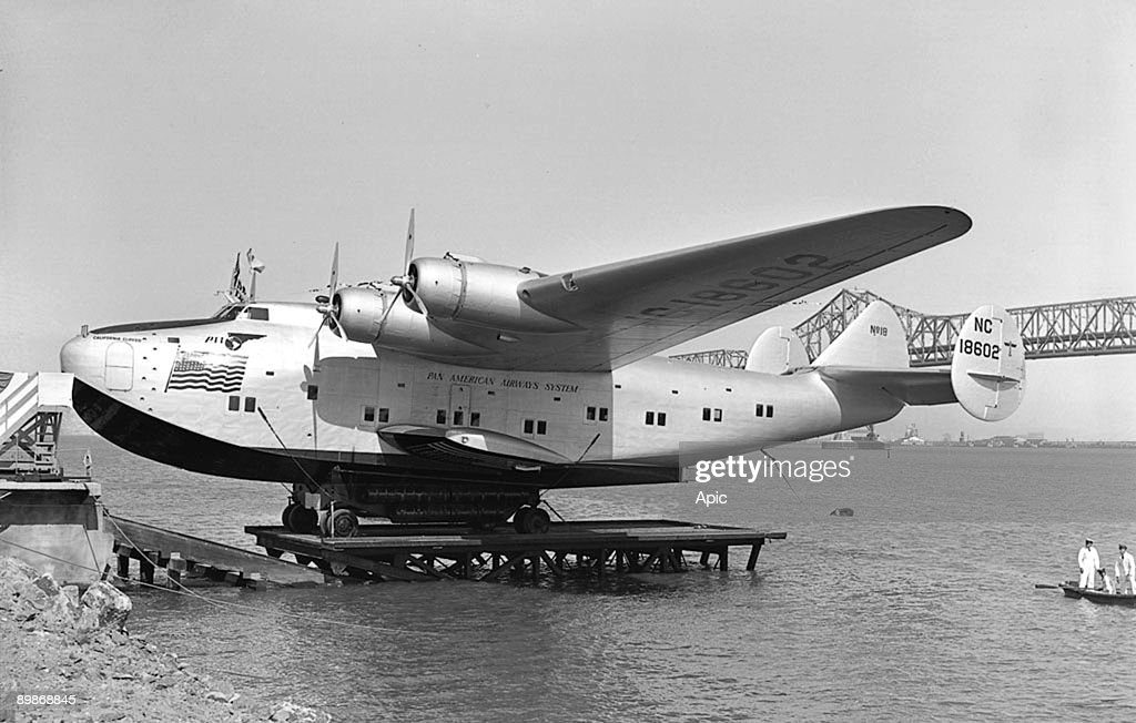 On april 25, 1939 : christening of plane California Clipper (Boeing 314, seaplane) of Pan American Airways (Pan Am) in Treasure Island, photo by Art Green : News Photo