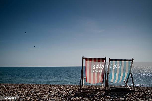 on brighton beach - brighton beach england stock pictures, royalty-free photos & images