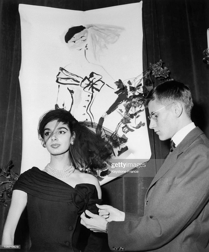 Yves Saint Laurent 1954 : News Photo