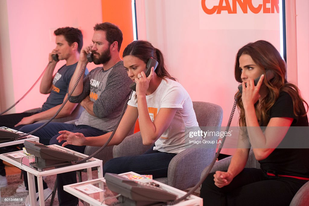 ABC's Stand Up To Cancer 2016 : News Photo