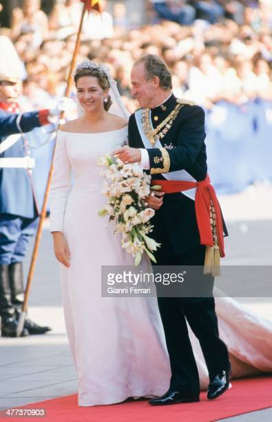 On her marriage to Ignacio Urdangarin the Infanta Cristina of Borbon enters the church accompanied by her father the Spanish King Juan Carlos of...