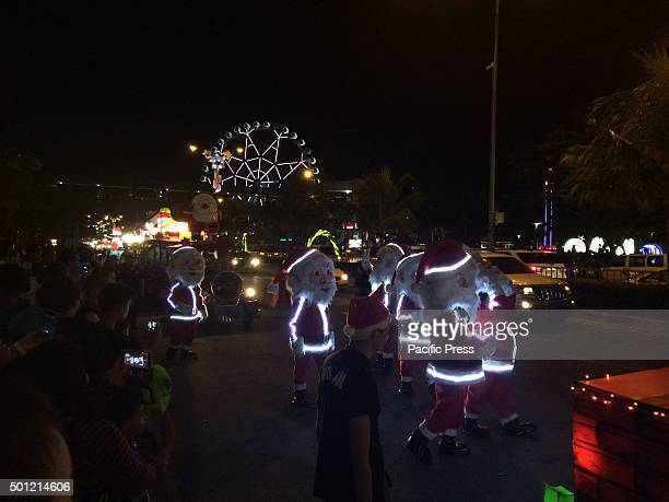 On it's 7th year Grand Festival of Lights is a Yuletide weekend attraction at the Mall of Asia in Pasay where Christmas icons were paraded on the...