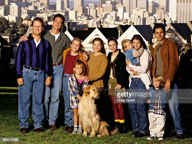 HOUSE On location in San Francisco Season Eight 9/27/94 Pictured from left Dave Coulier Bob Saget Jodie Sweetin Mary Kate Olsen Candace Cameron...