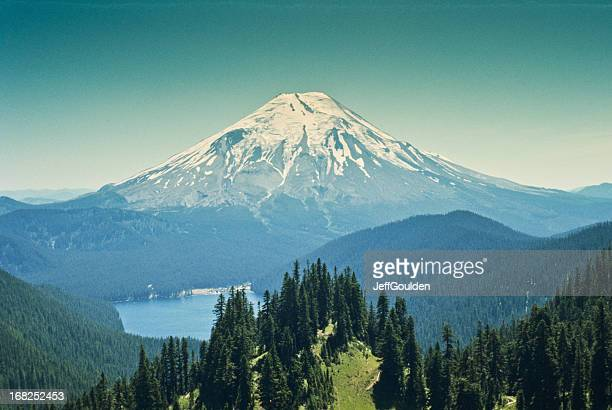 spirit lake and mount saint helens before the eruption - mount st. helens stock pictures, royalty-free photos & images
