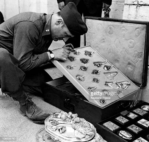 On May 18 First Lieutnant James J Rorimer Curator At The Metropolitan Museum Of New York Taking A Look At A Jewellery Collection Of The 16Th C Stolen...