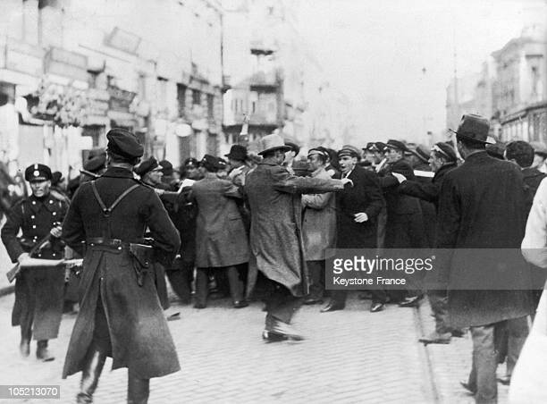 On May 20, 1934 In Sofia, The Bulgarian Police Faces A Demonstration Of Opponents To The Coup D'Etat By Partisans Of Gueorgui Kiossevanov Who, After...