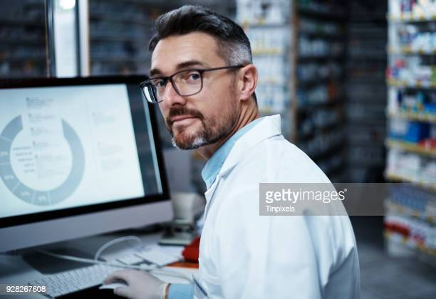 on my way to finding the next big cure - looking over shoulder stock pictures, royalty-free photos & images