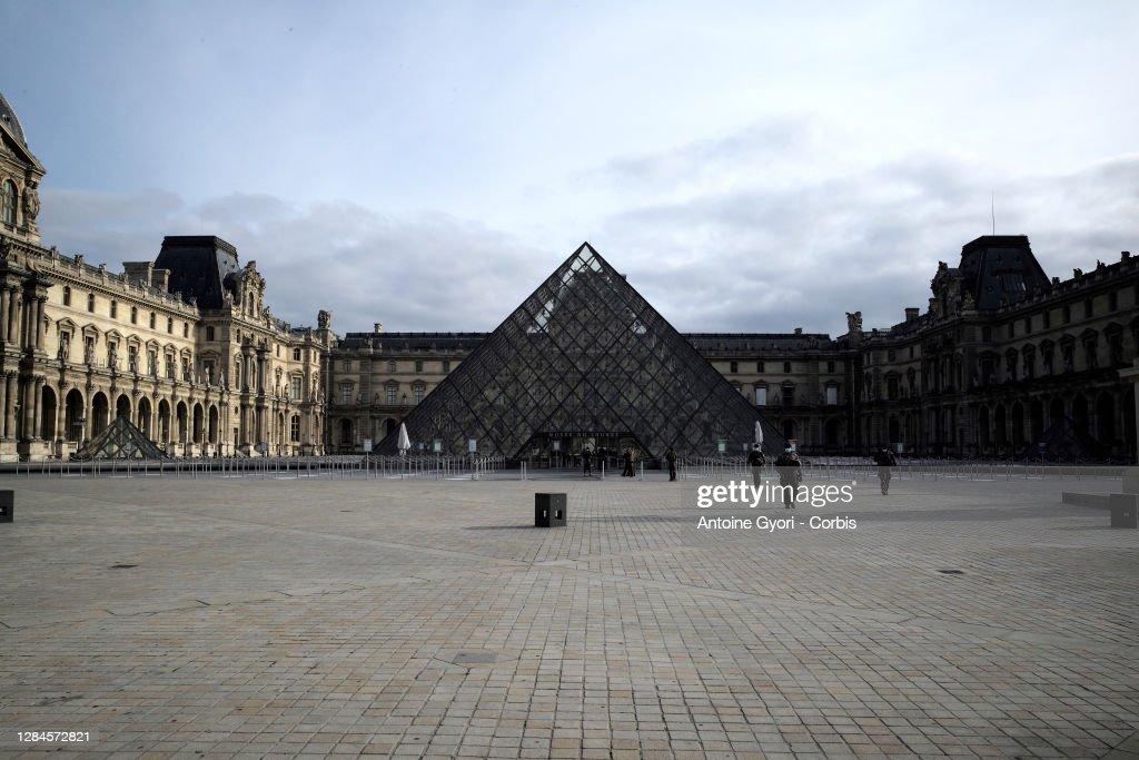 Daily Life In Paris Amid Soaring Coronavirus Second Wave : ニュース写真