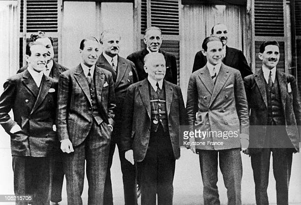 On September 10 The President Of The French Republic Gaston Doumergue Receives The 4 Musketeers Of French Tennis Who Had Just Won The Davis Cup