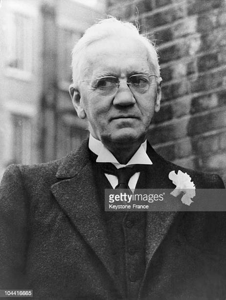 On September 3 the British doctor Alexander FLEMING discovered penicillin in his London laboratory