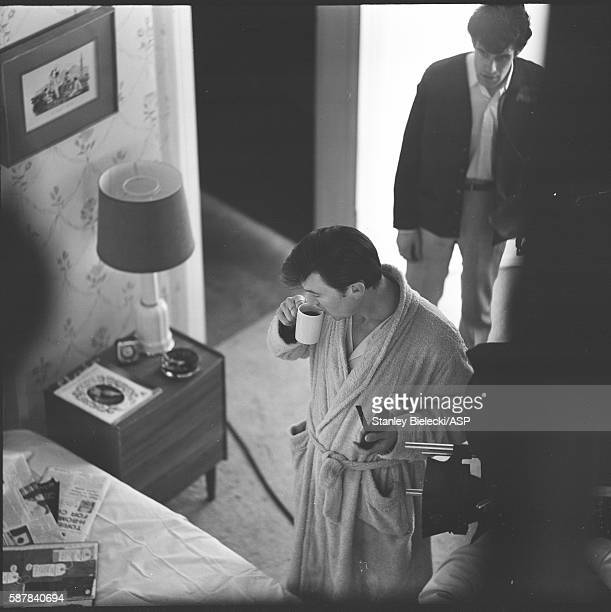 On set making the film 'Life At The Top' with Laurence Harvey United Kingdom 1965