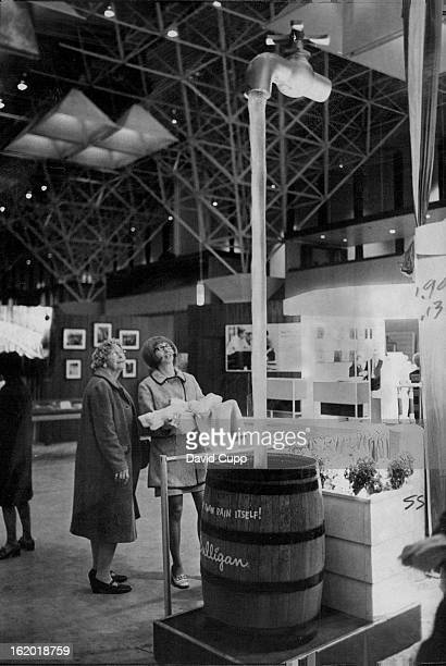 JAN 23 1971 JAN 24 1971 On Tap at Show Mrs Judy Felice 919 S Utica St right holds her son Anthony 3 months while she and her mother Mrs Bertha...