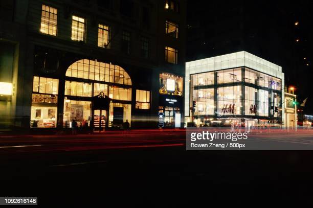 h&m on the 5th ave - modern essentials by h&m stock pictures, royalty-free photos & images