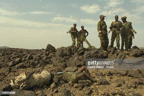 On the Bure front, the bodies of Eritrean soldiers bear witness to the violence of the fighting.