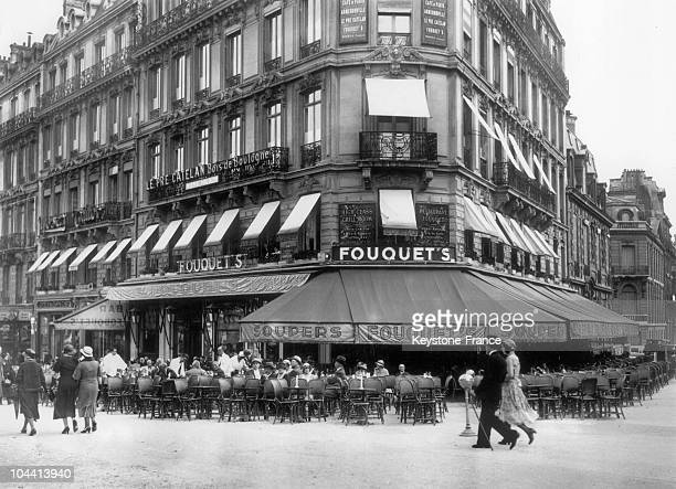 S on the Champs Elysees at the corner of avenue GEORGE V around 1930