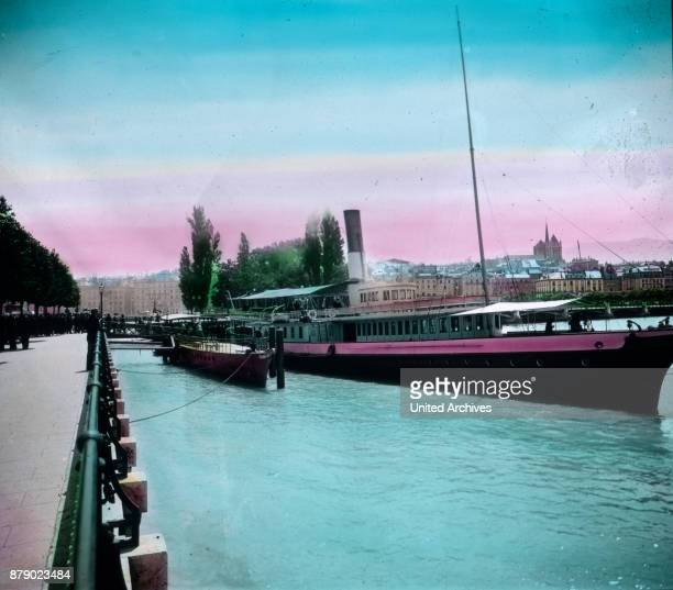On the left bank of the Rhone we turn now from the Quai du Mont Blanc back where we exceed on the Pont des Bergues river In which the access of the...