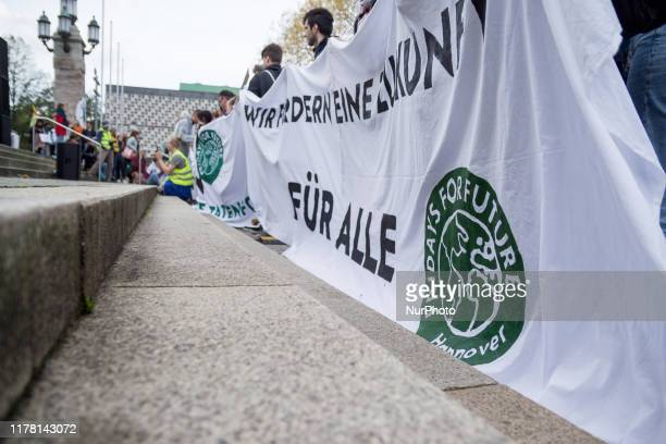 On the occasion of the Lord Mayor election next Sunday the Fridays for Future movement put its demo on 25 October 2019 in Hannover Germany under the...