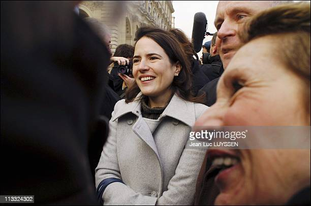 On The Occasion Of The Tenth Anniversary Of Francois Mitterrand'S Death His Daughter Mazarine Pingeot Inaugurates The Promenade By The River Seine...