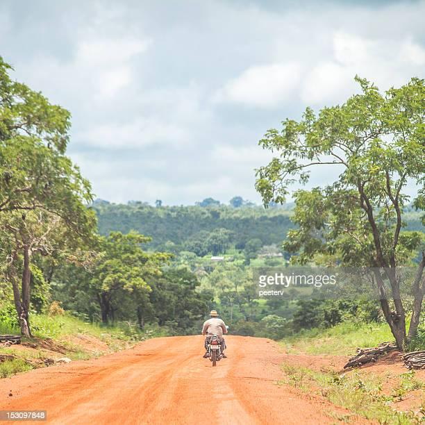 アフリカの旅先で。