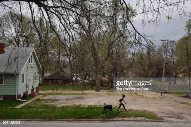 On the second day of a weeklong job training program Angelica Dunn pulls her son ThomasJohnathan CzarnikowDunncq 15 miles toward home after being...