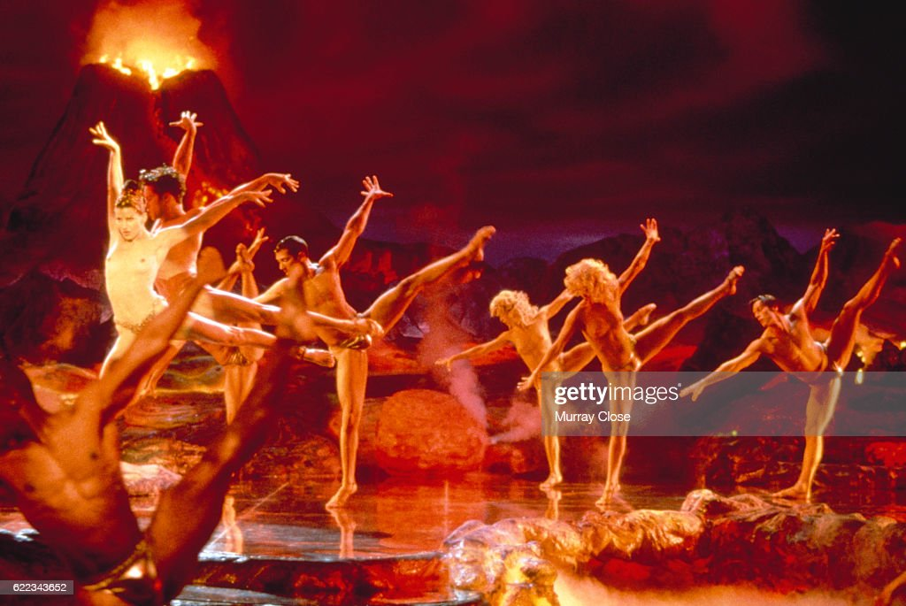 On the set of Showgirls : News Photo