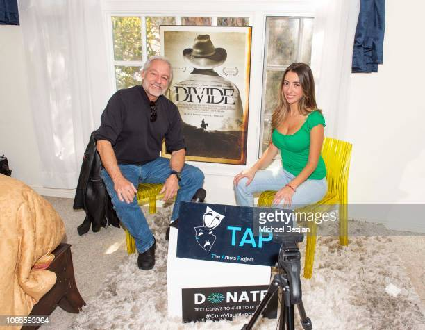 On the TAP podcast set with Perry King and Host Lauren Francesca brings awareness to the Visual Snow Initiative at TAP Podcast Debus with Lauren...