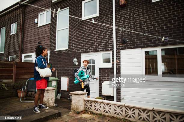 on the way to work out - lock sporting position stock pictures, royalty-free photos & images