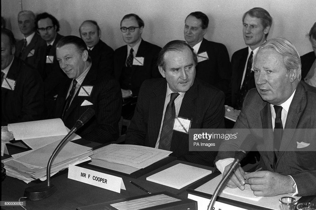 On This Day In History The Sunningdale Agreement Is Signed By