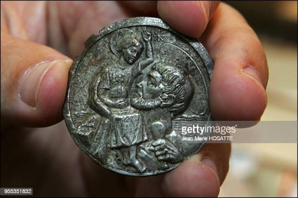 On this St Christopher amulet one can clearly see the face of Christ Found among debris from Temple Mound it dates back to the 17th century and was...