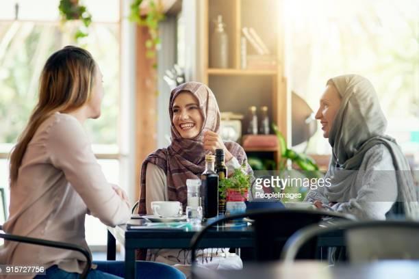 Hedendaagse menu: goede vrienden en goede tijden