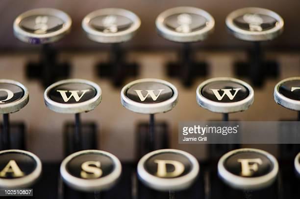 'WWW' on typewriter keyboard