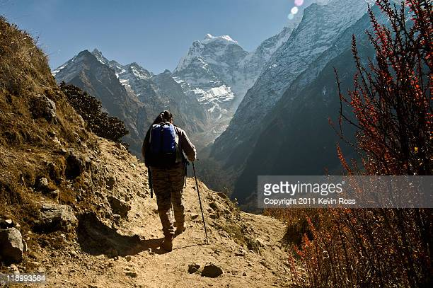 on way to everest. - base camp stock pictures, royalty-free photos & images