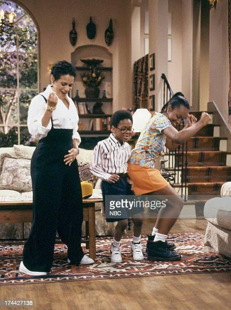 HOUSE Once Again With Feeling Episode 4 Pictured Debbie Allen as Jackie Warren Jeffery Wood as Austin Warren Maia Campbell as Tiffany Warren
