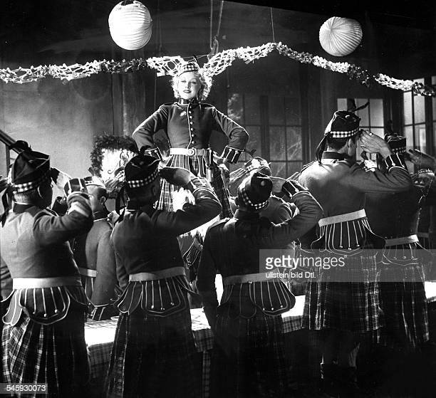 OndraSchmeling Anni Actress Germany * Scene from the movie 'Die Tochter des Regiments' Directed by Carl Lamac Germany / Austria 1933 Vintage property...