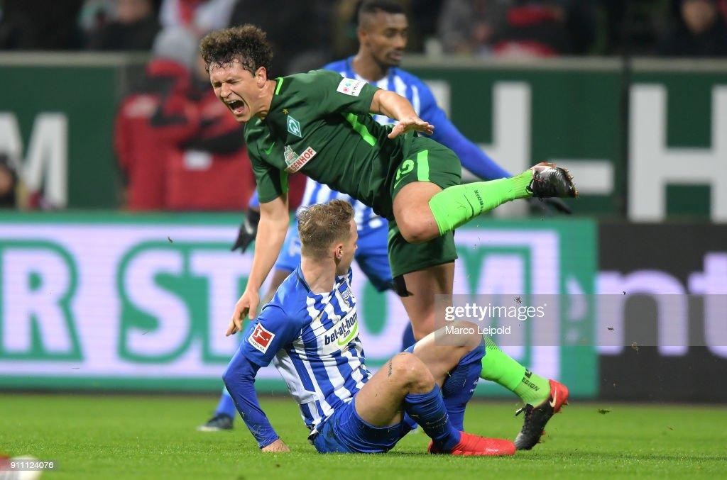Ondrej Duda of Hertha BSC and Milos Veljkovic of Werder Bremen during the game between SV Werder Bremen and Hertha BSC on january 27, 2018 in Bremen, Germany.