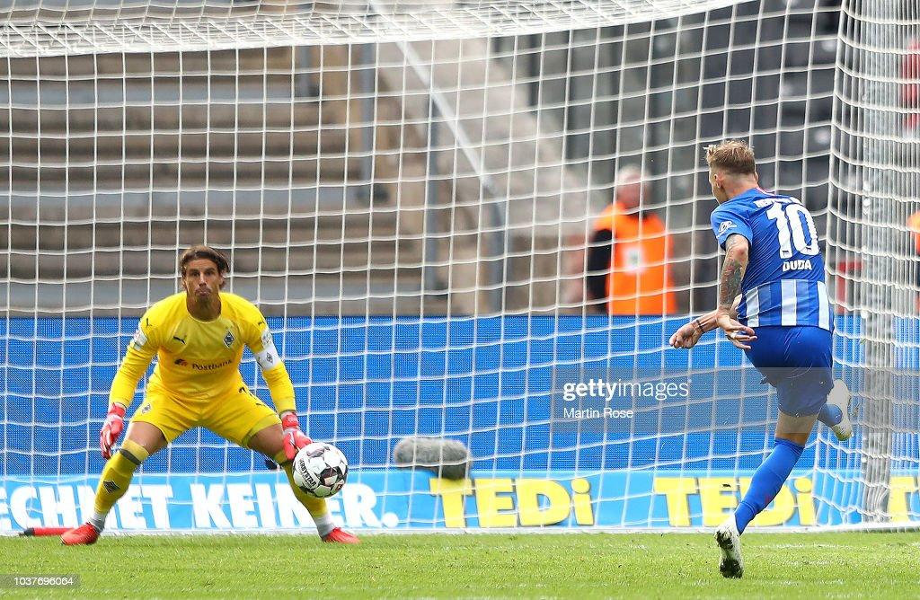 Hertha BSC v Borussia Moenchengladbach - Bundesliga : Nachrichtenfoto
