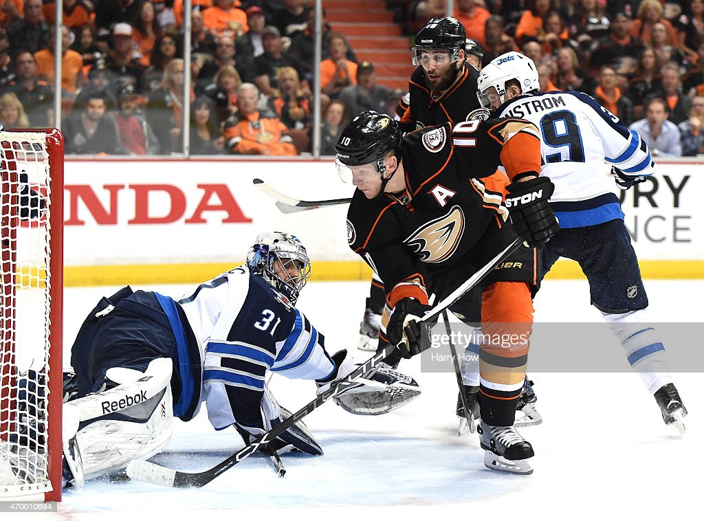 Winnipeg Jets v Anaheim Ducks - Game One : News Photo