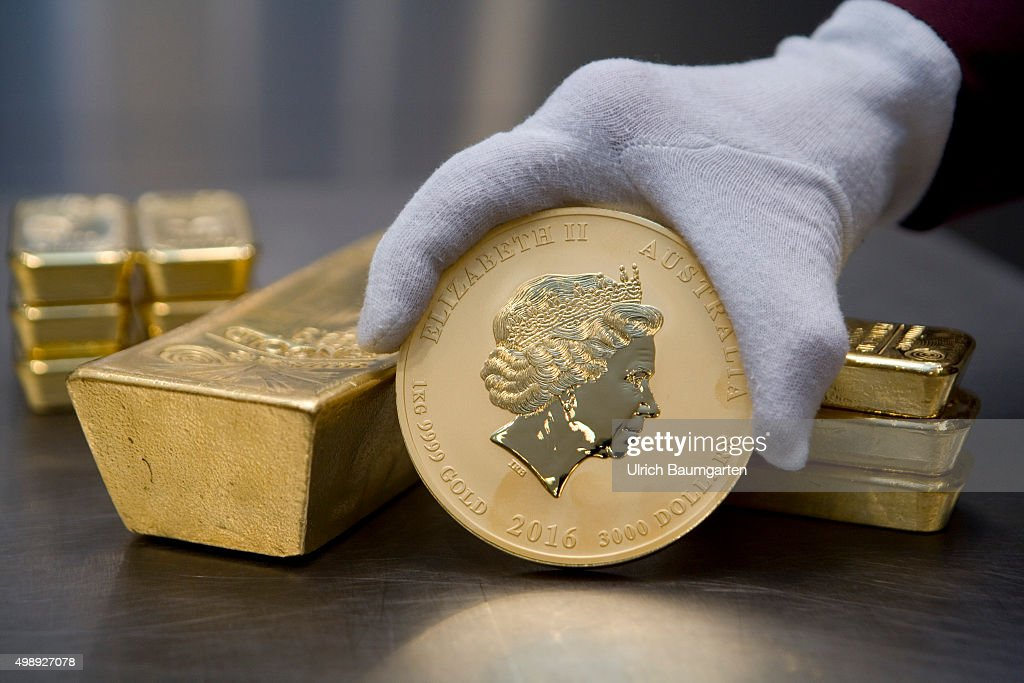 One 12,5 kg gold bullion, 1 kg gold bullions and the Australian Nugget in the strong room of pro aurum goldhouse in Munich.