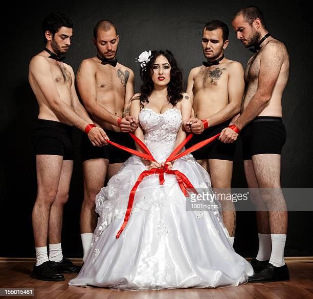 Une Mariée Marié quatre