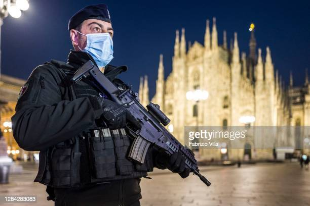One Carabiniere of the first intervention team, in Piazza Duomo in Milan, with the task of intervening in high-risk situations to prevent acts of...