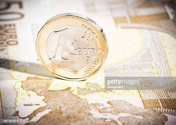 One Euro coin on €50 note map macro