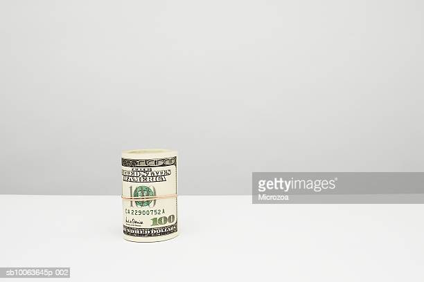 one hundred us dollar note, close-up - microzoa stock pictures, royalty-free photos & images